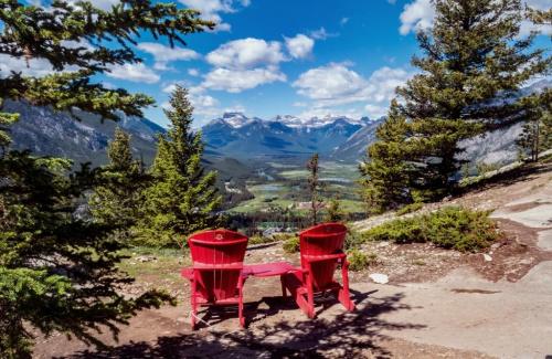 Krzeselka z widokiem:) Widok z Tunnel Mountain Banff Kanada