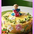 Letni tort na roczek Sary #figurka #kwiaty #roczek #tort #TortDlaDziewczynki #TortyKraków #TortyWalentynki