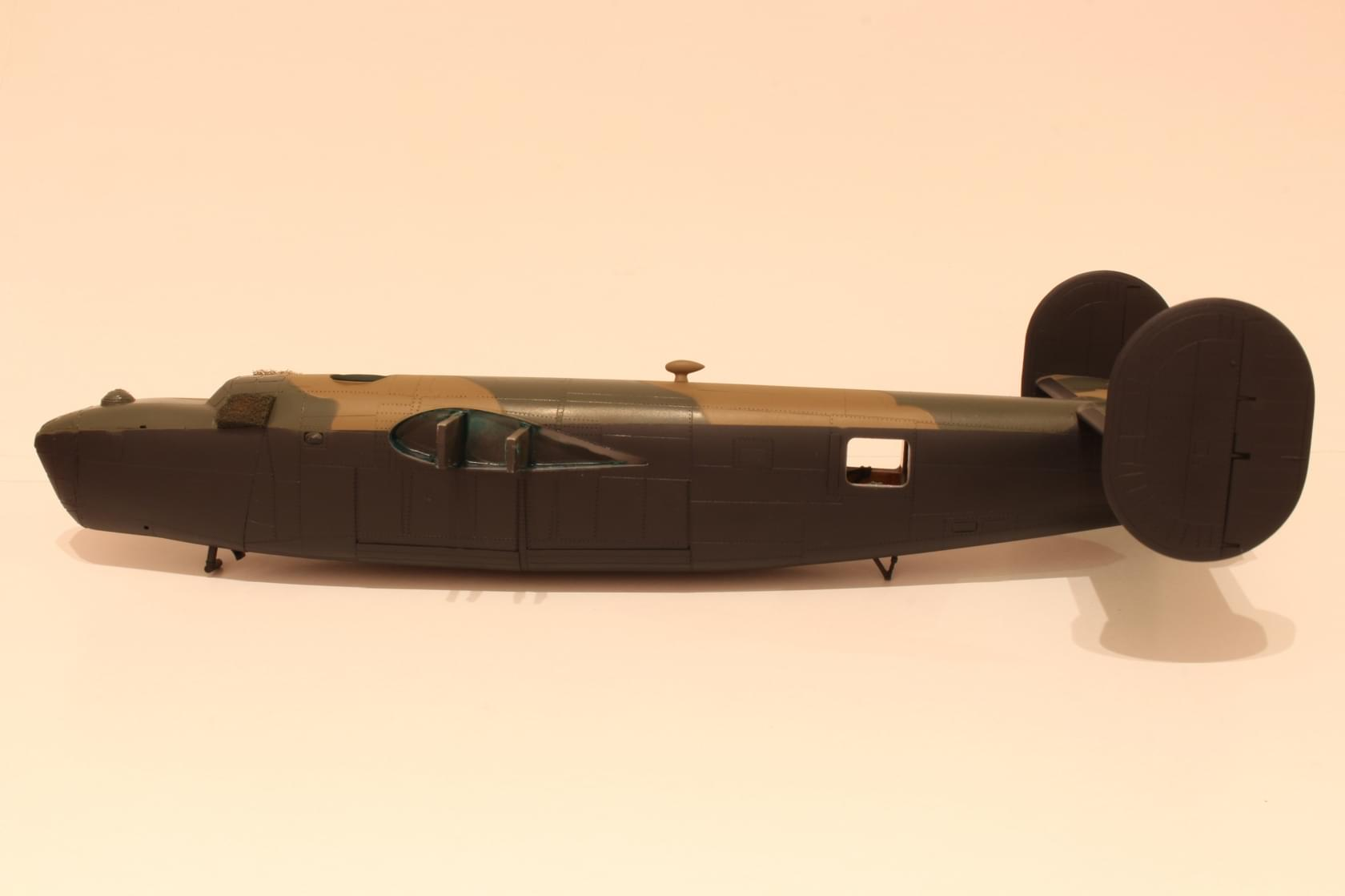 Liberator MK.VI - Hasegawa B-24J 1/72 5c5aa5d67b64303c