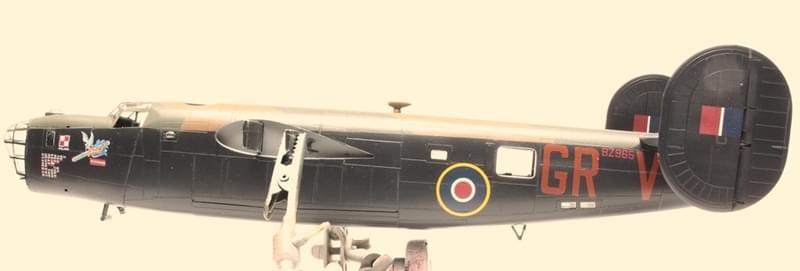 Liberator MK.VI - Hasegawa B-24J 1/72 98a8a4ab1629bf4c