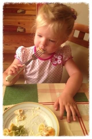 makaron z brokułami i sosem śmietanowym