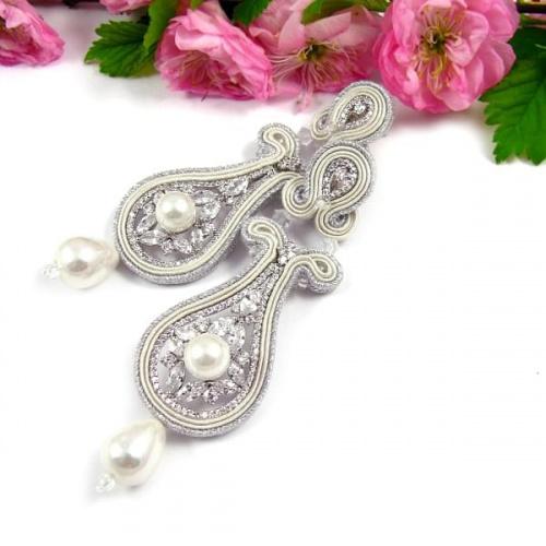 Śmietankowe kolczyki ślubne sutasz z perłami i kryształami